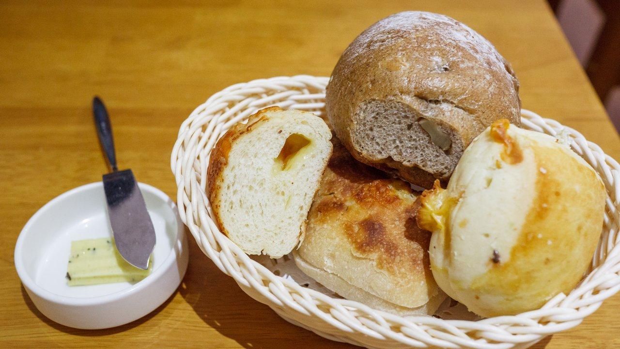 【新北美食】永和 育成蕃薯藤自然食堂 》有機又健康的愛心美食 1