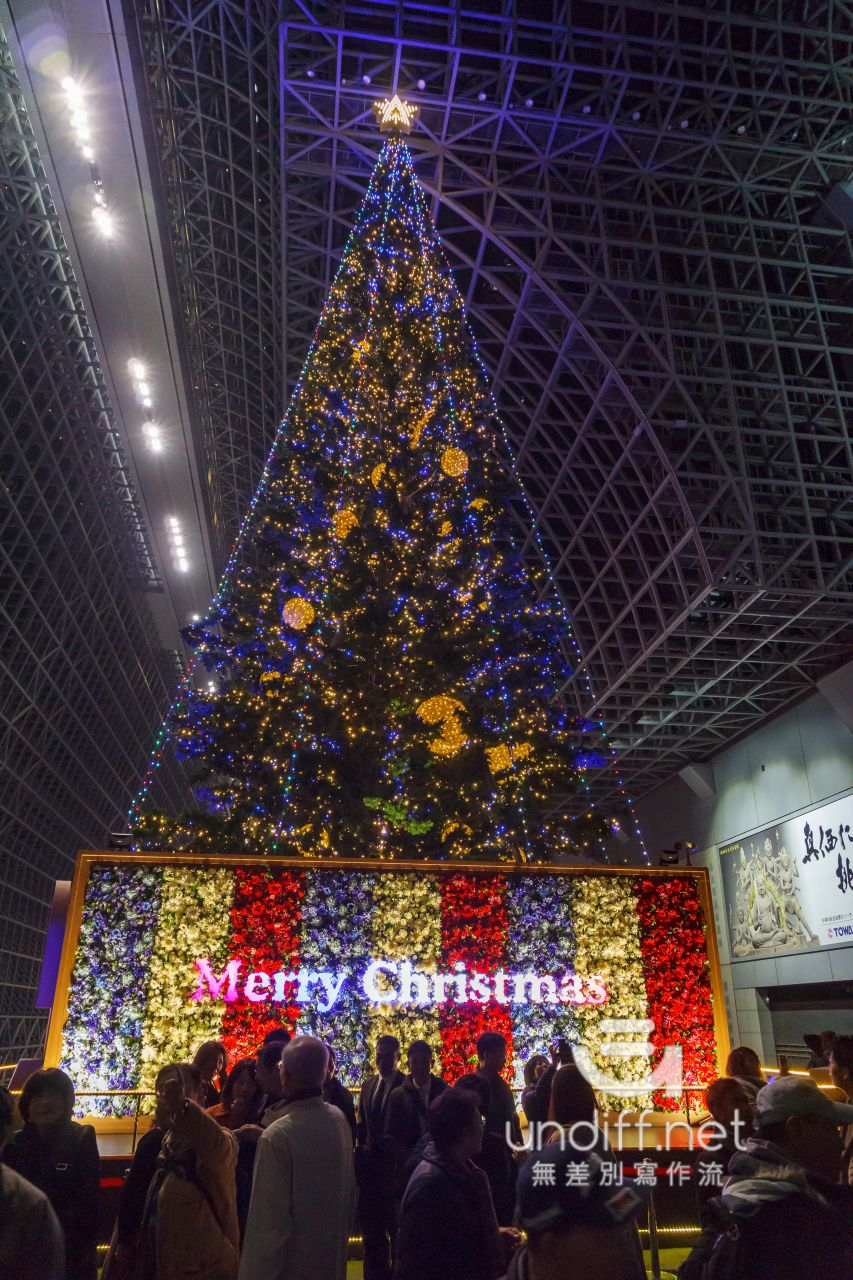 【京都景點】京都車站 聖誕燈飾 》車站中的聖誕樹與光之階梯 6